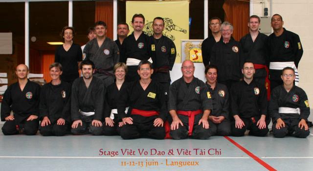 Photo de groupe stage Viet Vo Dao & Viet Tai Chi Langueux 11 12 13 juin 2011